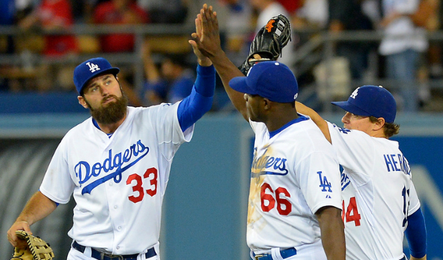 scott-van-slyke-yasiel-puig-mlb-los-angeles-angels-los-angeles-dodgers